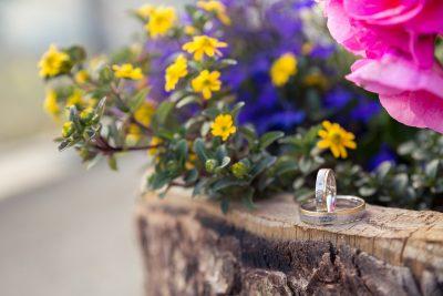 Hochzeitsring mit Blumen