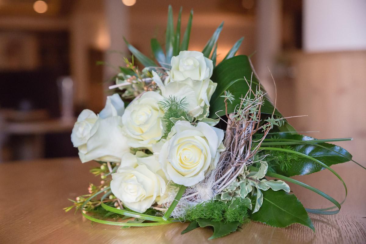 Hochzeit weiße Rose Brautstrauß